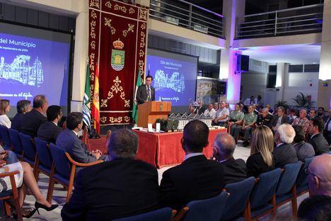 El alcalde ensalza el rigor que permite un mayor ritmo inversor en el XXXVII Día de El Ejido
