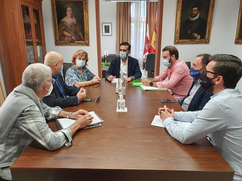 El Ayuntamiento y el Consejo Pro Salud Mental estrechan lazos por una Almería más sana