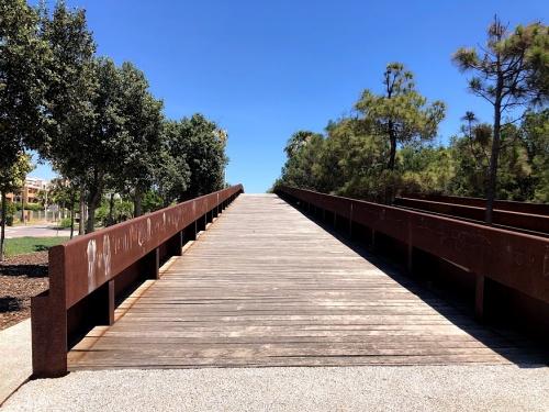 El Ayuntamiento invertirá 90.000 euros en iluminación de puentes peatonales de El Toyo