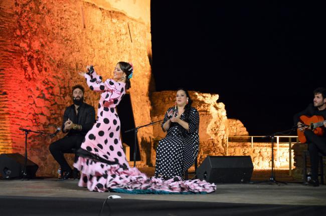 Macarena Ramírez enamora con su moderna visión del baile flamenco