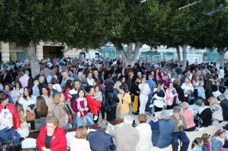 Fiesta en El Ejido con 1.300 kilos de habas y 360 kilos de tocino
