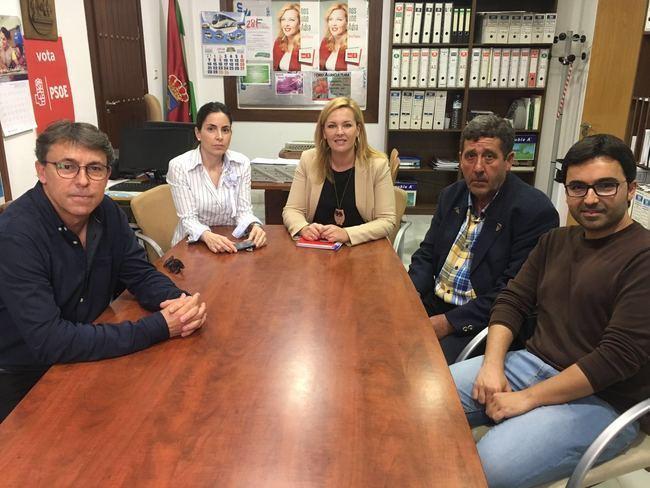 El PSOE de Adra se interesa por la situación del hotel