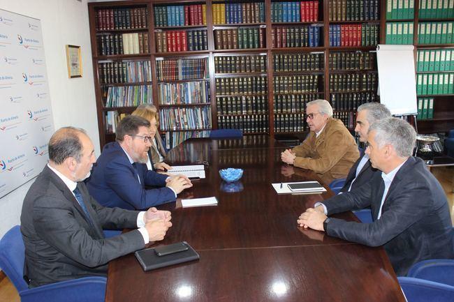 Junta y Autoridad Portuaria de Almería apuestan por el transporte marítimo de hortalizas