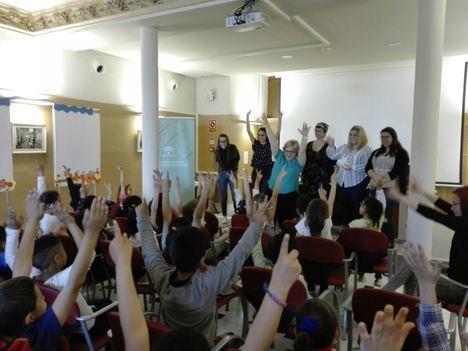 El Instituto Andaluz de la Mujer abre su biblioteca al alumnado del Colegio Juan Ramón Jiménez