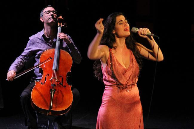 La luz vocal de Sílvia Pérez Cruz ilumina una velada de bellas canciones en el Maestro Padilla
