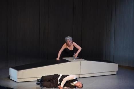 Una desquiciada y madura Kiti Mánnver brilla en el Festival de Teatro de El Ejido