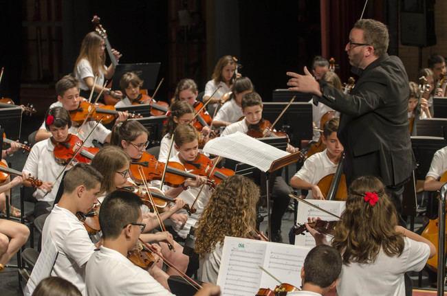 La Orquesta Infantil ofrece un concierto sobresaliente en el Auditorio Maestro Padilla