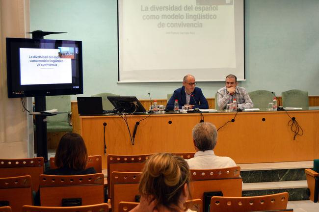 Lenguaje y violencia de género con los Cursos de Verano de la UNED Almería