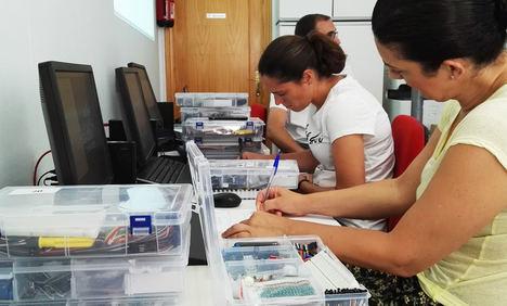 Guadalinfo de Garrucha será referente para impartir talleres de 'Tecnología para la vida' con Arduino