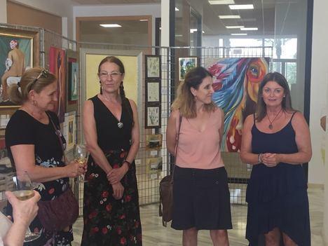 La Oficina de Turismo de Almerimar acoge una nueva exposición de pintura al óleo