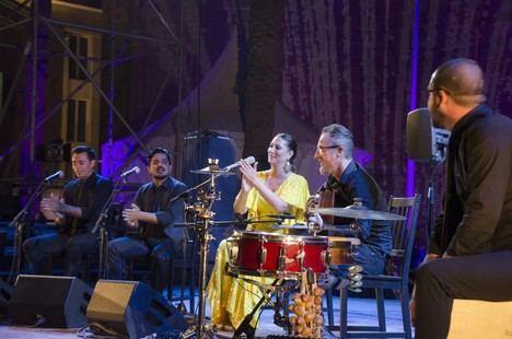 Desbordante actuación de Marina Heredia y la esencia de La Chanca en la Plaza de la Catedral