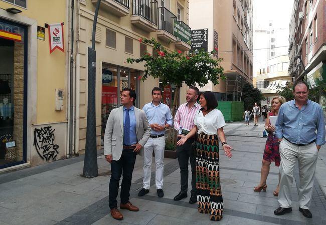 La Junta impulsa los centros comerciales abiertos de Almería, Adra, Albox y Cuevas con 220.000 euros