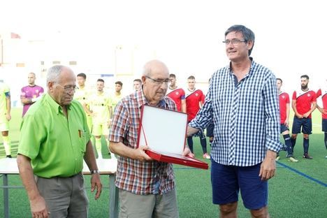 José Antonio Parrilla recibe un merecido homenaje