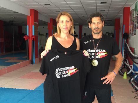 La concejal de Deportes de El Ejido, María José Martín, visita el Club Musul