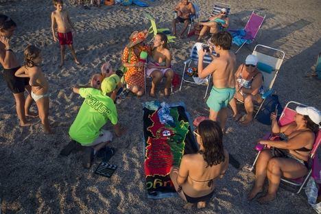 Los Embajadores de Almería 2019 revolucionan con su simpatía las playas de Cabo de Gata