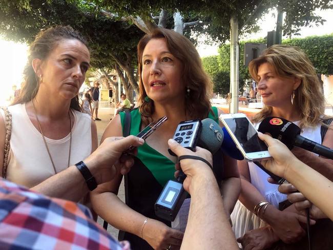 Crespo cuestiona las vacaciones de Díaz mientras siguen llegando pateras