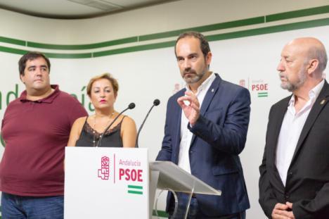 El PSOE pide la dimisión del alcalde de Carboneras