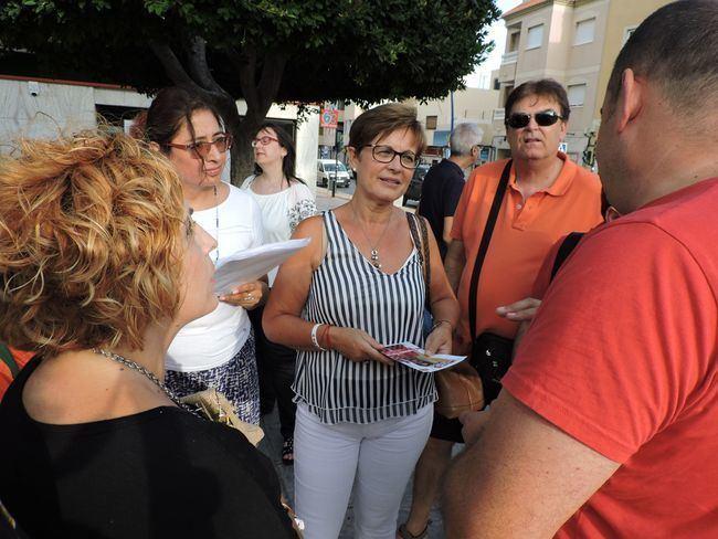 El PSOE se reune con los vecinos de La Cañada