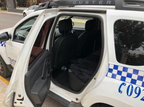 CSIF denuncia que los vehículos de la Policía Local de Vícar carecen de mampara de seguridad