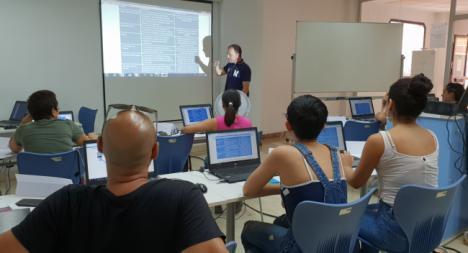 La Junta, colabora con Cruz Roja en la incorporación de los ciudadanos a las TICs