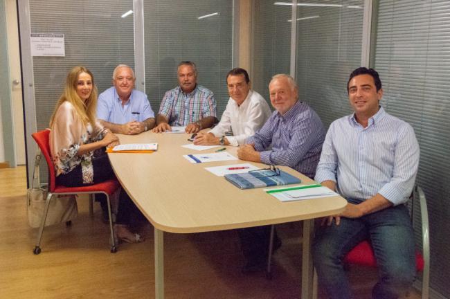 El PSOE de Almería traslada su apoyo a los transportistas