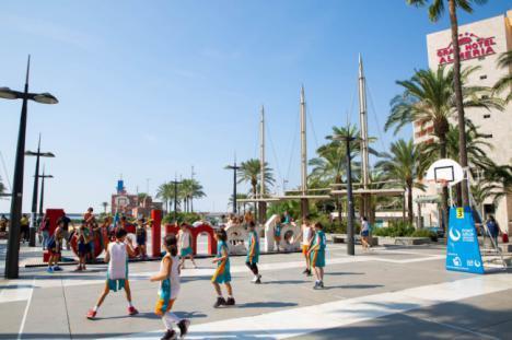 400 niños y niñas saldrán a la calle a jugar al baloncesto con el 'Plaza 3 x 3 Caixabank'