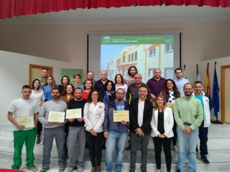 La Escuela del Mármol entrega los diplomas a tres cursos
