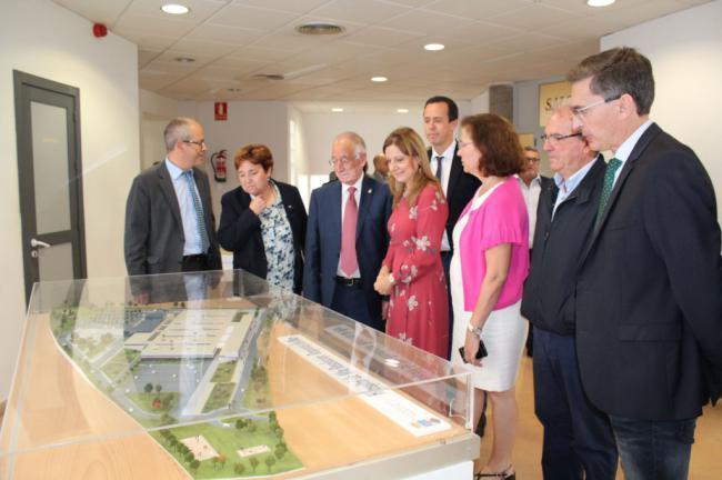 SAS y Ayuntamiento de Roquetas de Mar firman el primer documento para el Hospital