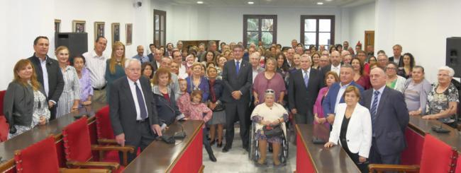 Adra reúne en el Ayuntamiento a sus alcaldes y descendientes directos desde 1834