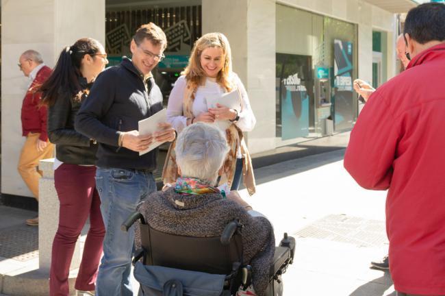 """El PSOE muestra su proyecto """"solvente y serio"""" a la población almeriense"""