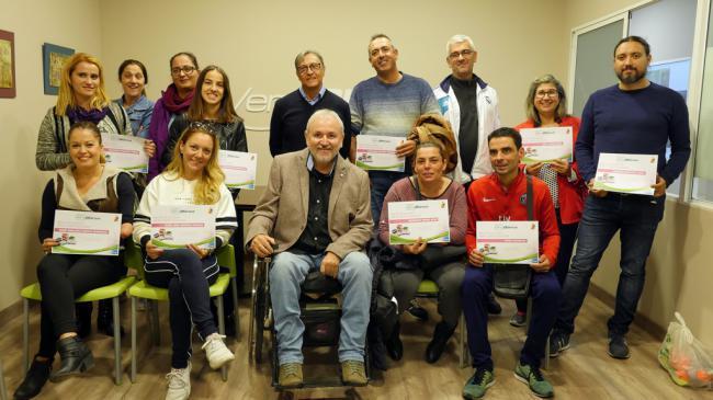 Verdiblanca entrega 50 becas de estudio a su plantilla