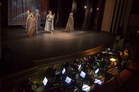 La ópera llena el Auditorio Maestro Padilla en una futurista 'La Flauta Mágica'