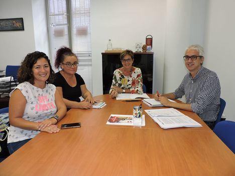 El PSOE traslada a los educadores sociales su apoyo al reconocimiento de su profesión