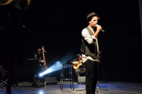 Zarrita llenará el Teatro Apolo para presentar su nuevo disco, 'Hombre de Papel'