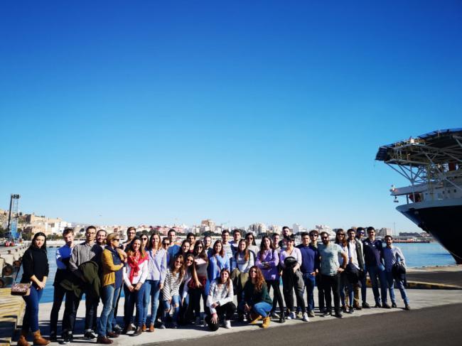 Universitarios de Granada amplían sus conocimientos sobre intermodalidad en el Puerto de Almería