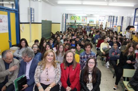Alumnas del CEIP Adela Díaz y el IES Nicolás Salmerón ganan el Certamen 'Solidaridad en las letras'