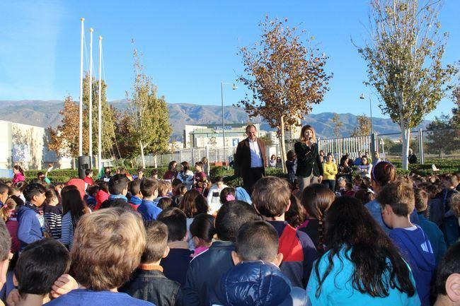 Escolares ejidenses celebran el Día de la Constitución con una visita al Ayuntamiento