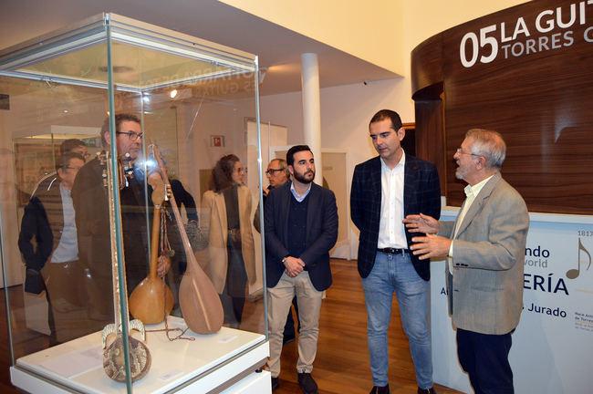 'Laúdes tradicionales del Mundo' en el Museo de la Guitarra 'Antonio de Torres'