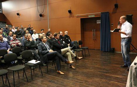 El Ejido acoge un curso para policías que recauda fondos contra el cáncer