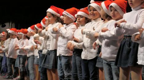 Los escolares de Adra cantan sus villancicos