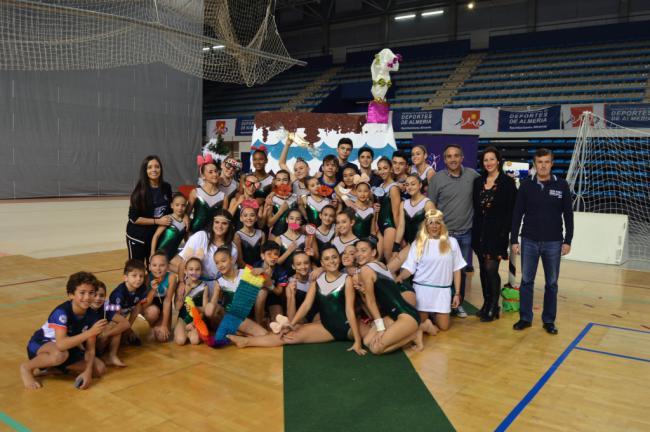 Más de 1.200 gimnastas muestran su talento en la Exhibición de Navidad del club Stella Maris