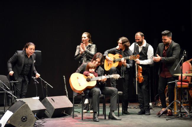 José del Tomate triunfa con lsu primer disco en el Teatro Apolo
