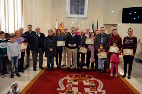 Carlos Sánchez entrega los premios del concurso de Belenes