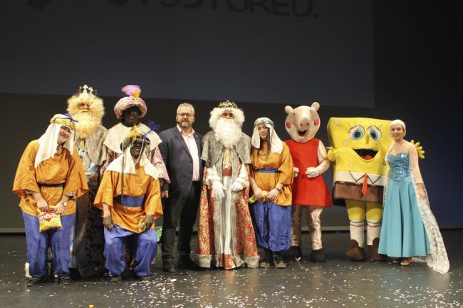 700 niños llenan el Maestro Padilla en la tradicional Fiesta Infantil de Reyes de CSIF