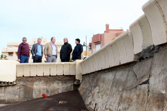 El Ayuntamiento de El Ejido solicita la declaración de 'Obra de Emergencia' para el muro del paseo marítimo de Balerma