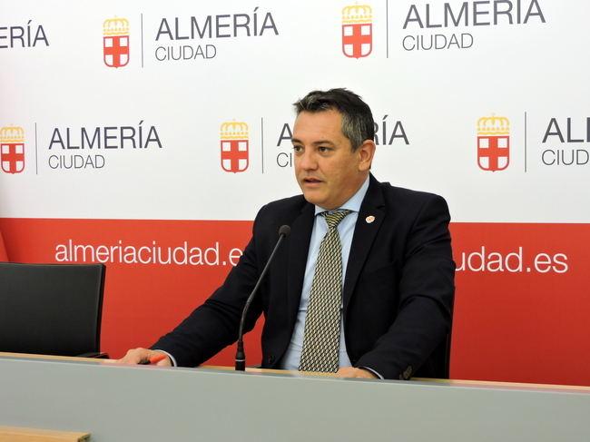 El PSOE dice que al PP le 'molesta' la participación ciudadana