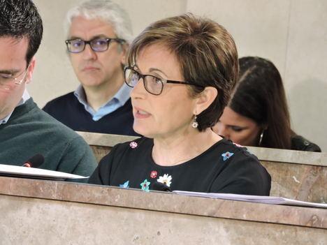 Valverde dice al alcalde que busque en Google cómo dignificar los mercadillos
