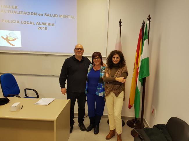 Profesionales de Salud Mental forman a la Policía Local de Almería en atención a personas con trastorno mental