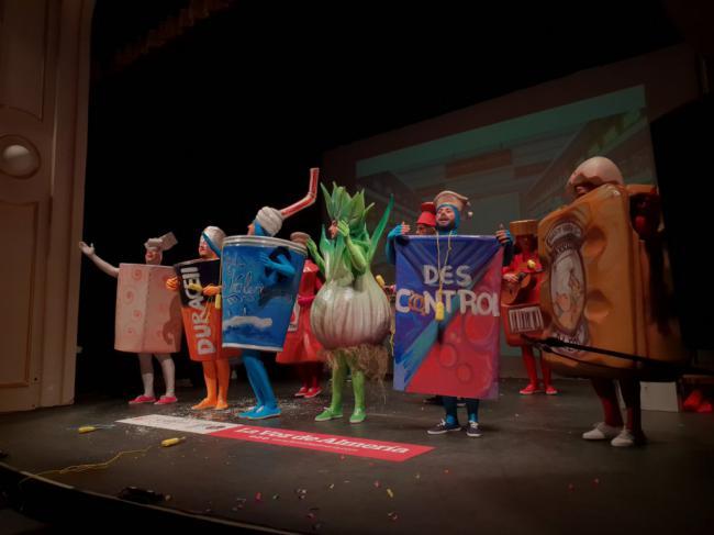 Humor y musicalidad en el arranque del concurso de Carnaval de Almería