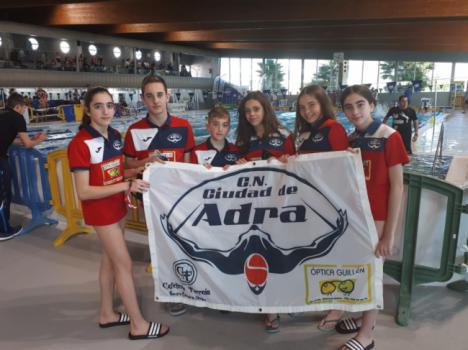 Buen papel de los nadadores abderitanos en el Campeonato de Andalucía de Invierno